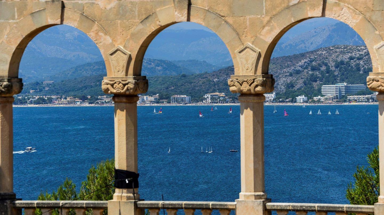 Vistas a la bahía desde Sa Fortalesa, donde se celebra la boda de Rafa Nadal.  (EFE)
