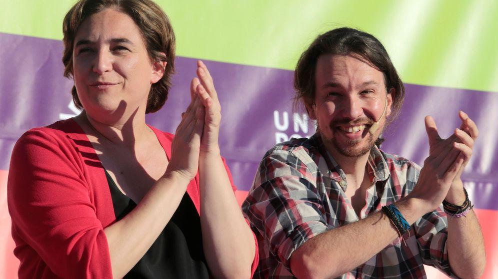 Foto: Ada Colau, alcadesa de Barcelona, con el candidato a la presidencia de Unidos Podemos, Pablo Iglesias. (EFE)