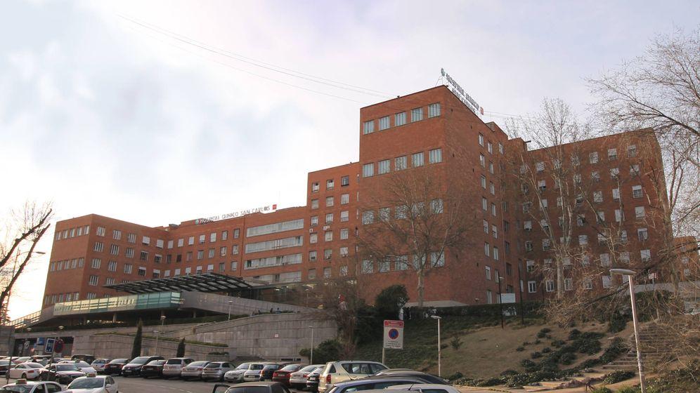 Foto: Una de las fachadas principales del Hospital Clínico San Carlos.