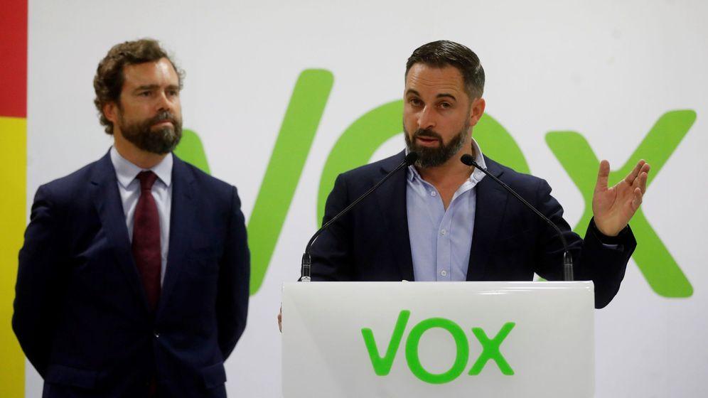 Foto: Iván Espinosa de los Monteros y Santiago Abascal. (EFE)