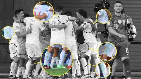 Las misteriosas manchas verdes de la Selección: ¿se pintó el césped de La Cartuja?
