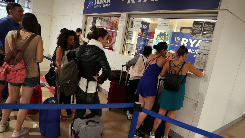 Foto: La huelga de Ryanair, en imágenes: largas colas y muchas reclamaciones de pasajeros