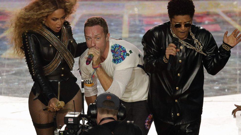 La red se ríe de Chris Martin (Coldplay) por su actuación en la Super Bowl