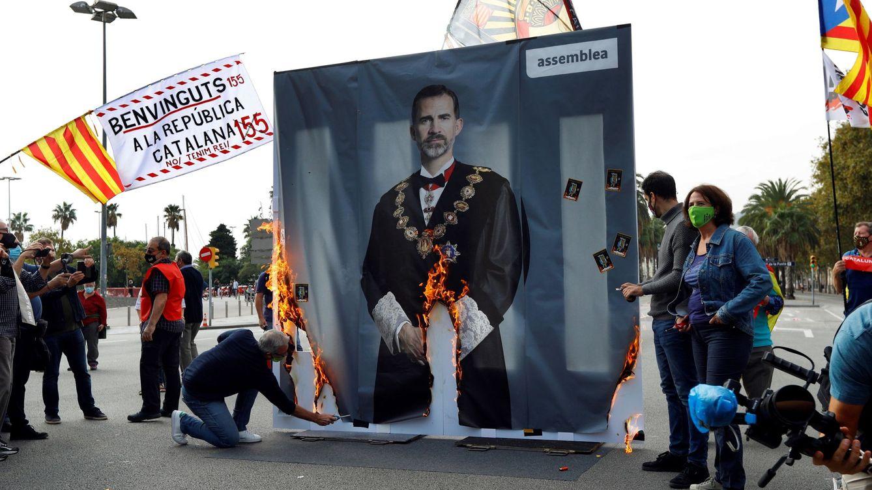 Plataformas independentistas agitan a sus bases para recibir al Rey y a Sánchez