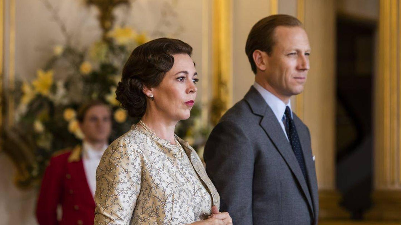 Olivia Colman y Tobias Menzies en 'The Crown'. (Netflix)