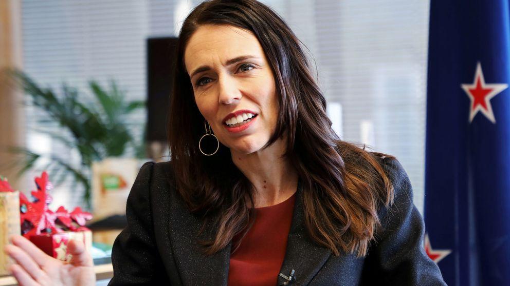 Nueva Zelanda registra 2 positivos ocho días después de recuperar a su último caso