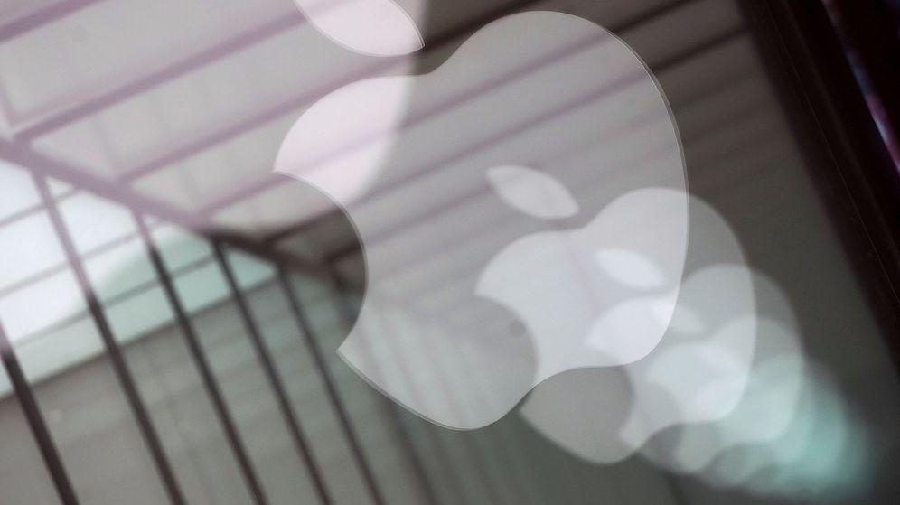 Foto: Logos de Apple en una de sus tiendas en Shanghai (Reuters)