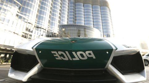 Así son los coches que usa la Policía de Dubái: Lamborghini, Ferrari, Bentley...