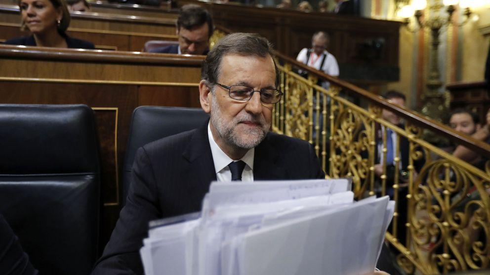 Rajoy imparte lecciones a Iglesias mientras el PSOE y Rivera se diluyen