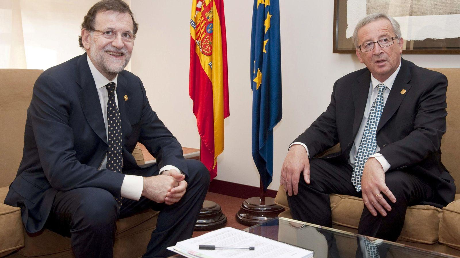 Foto: El presidente del Gobierno, Mariano Rajo (d), con el presidente de la Comisión Europea, Jean-Claude Juncker. (EFE)