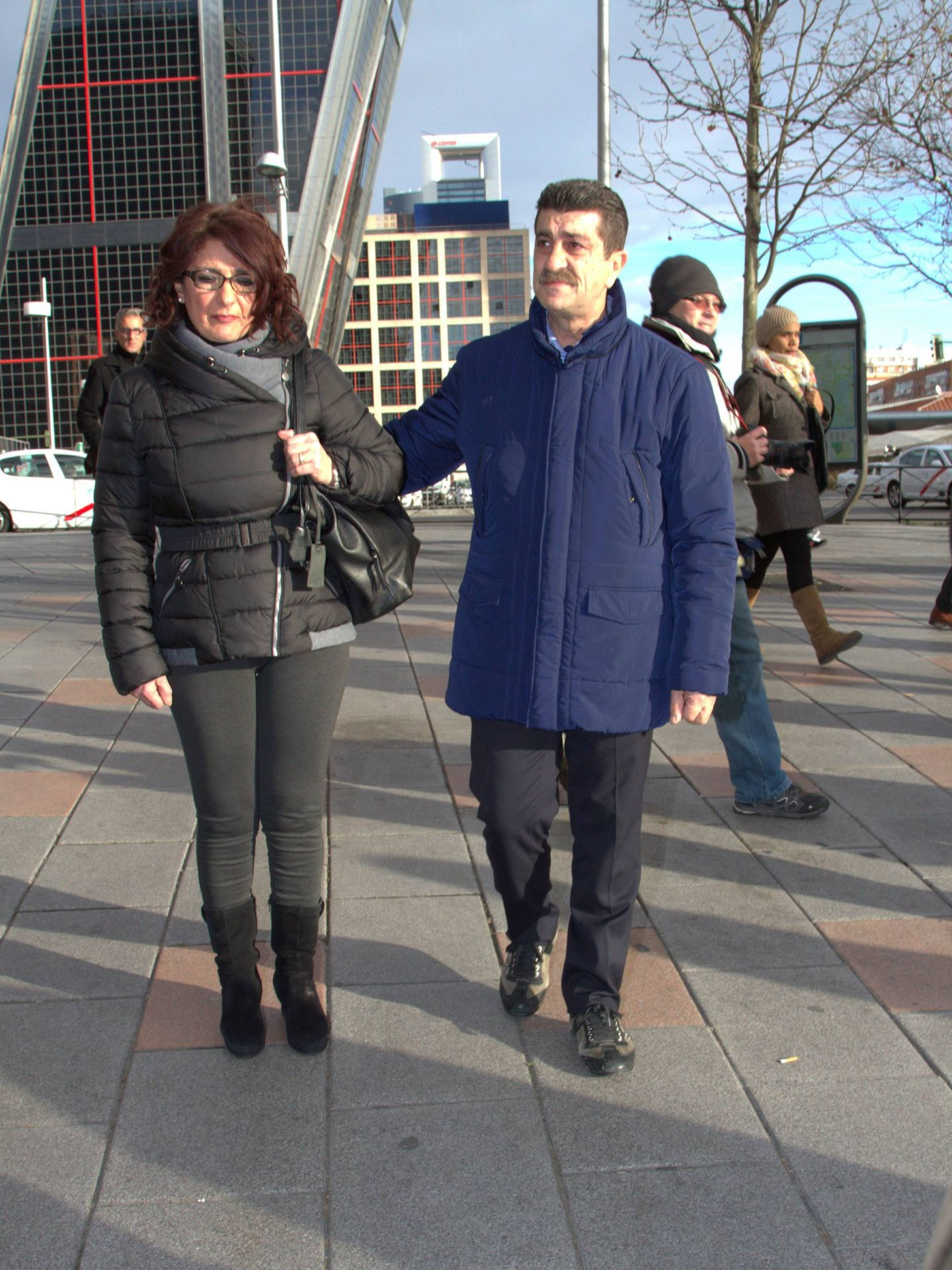 Los padres de Mario Biondo, en los juzgados de Plaza Castilla. (Cordon Press)