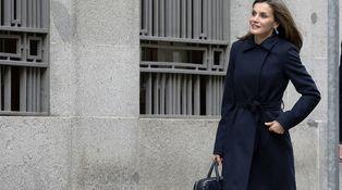 El primer estreno del año de Doña Letizia: un abrigo de Hugo Boss para una reunión