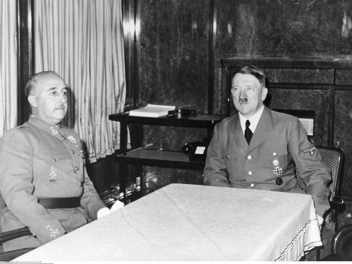 Foto: Franco y Hitler en Hendaya (Cordon Press)