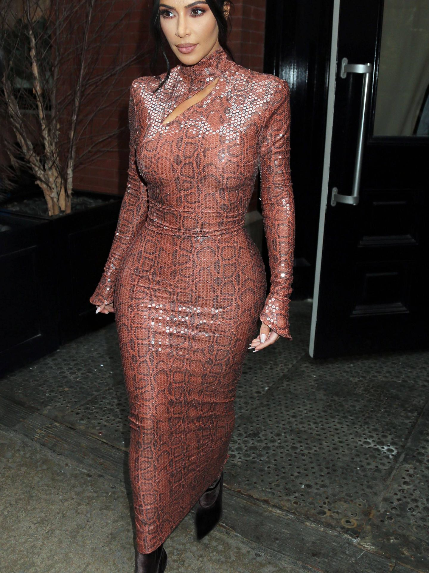 Kim Kardashian con piel de serpiente. (Cordon Press)