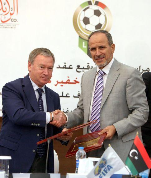 Foto: Javier Clemente, durante su presentación como seleccionador de Libia