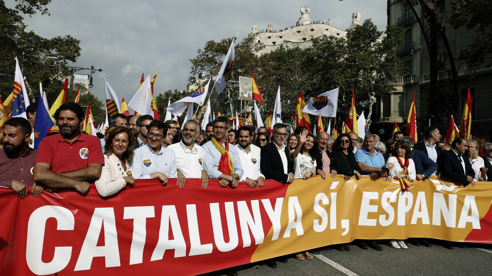 Foto: ManifestaciÓn convocada por societat civil catalana (scc)