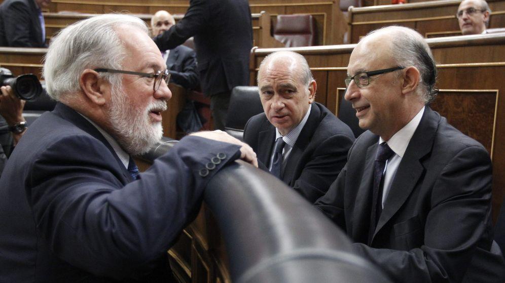Foto: Arias Cañete y Montoro en una foto de archivo. (EFE)