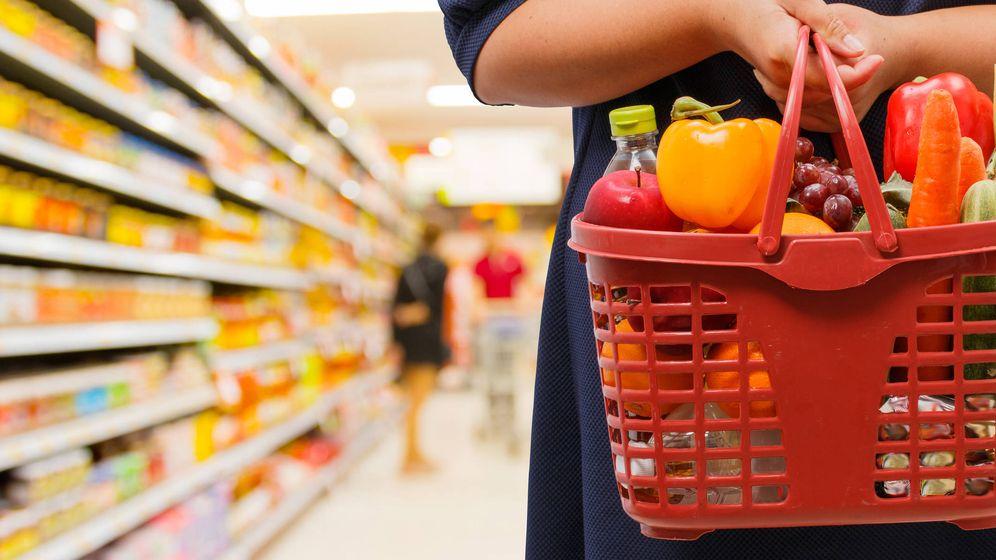 Foto: Las superficies de tamaño medio siguen siendo el lugar de compra favorito de los españoles. (iStock)