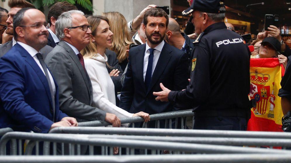 Foto: Casado (d), junto a Álvarez de Toledo, Josep Bou y Alejandro Fernández. (EFE)