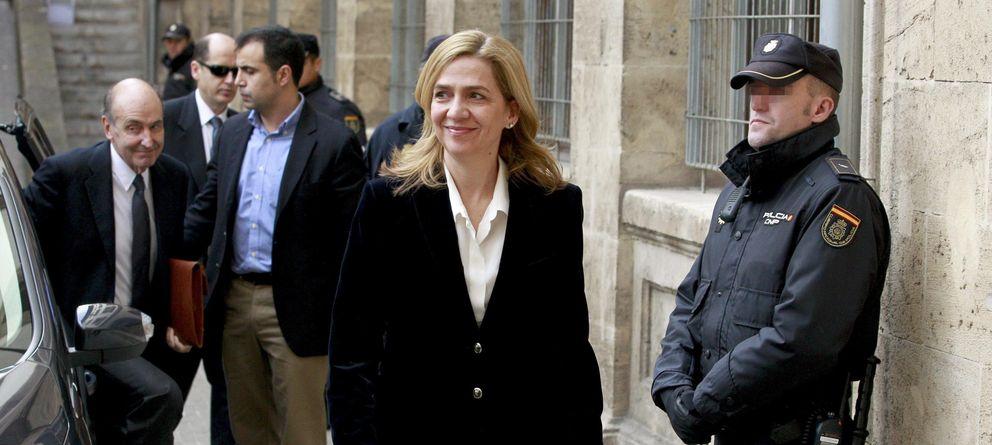 Foto: La infanta Cristina accediendo al juzgado el pasado mes de febrero. (Efe)