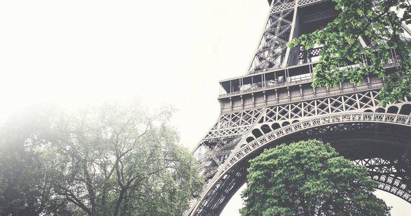 130 años de la Torre Eiffel: historia del icono que ha vivido mas de un siglo de prestado