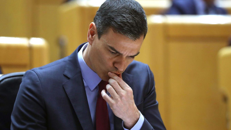 Bruselas desmonta las medidas económicas estrella de Sánchez: pensiones y laboral