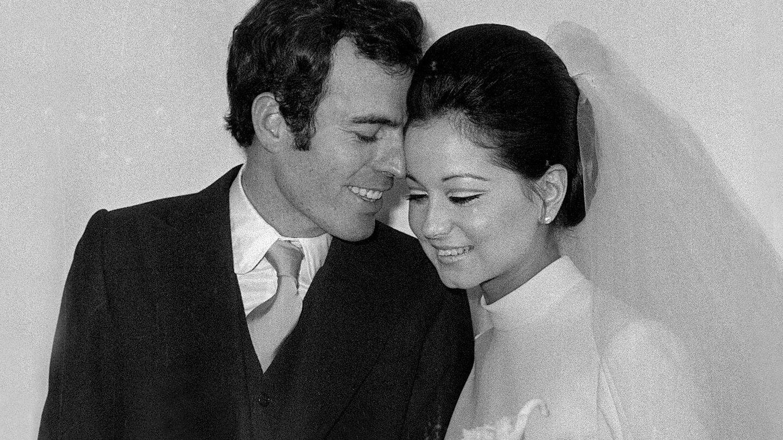 Isabel Preysler y Julio Iglesias, el día de su boda. (EFE)