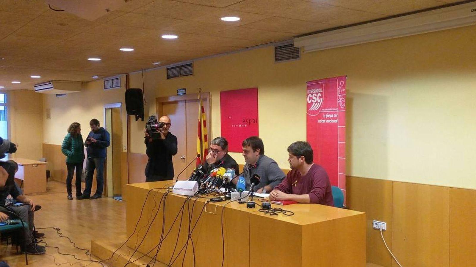 Foto: Carles Sastre (i) en la convocatoria de huelga para el próximo 8 de noviembre.
