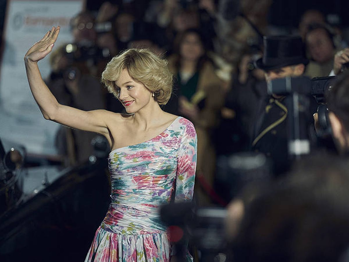 Foto: La actriz Emma Corrin, en el papel de Diana de Gales en 'The Crown'. (Netflix)