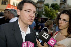 Jordi Sevilla ficha por PricewaterhouseCoopers y deja su escaño en el Congreso