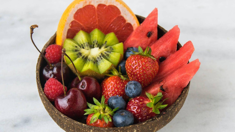 ¿Tomar fruta a la hora de la cena engorda? (Jo Sonn para Unsplash)