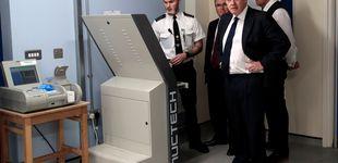 Post de Londres prueba escáneres corporales en el metro para detectar armas y explosivos
