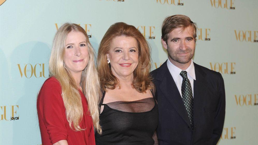 Foto: Mari Luz Barreiros en compañía de sus hijos Cristina y Alberto Comenge, en una imagen de archivo (Gtres)