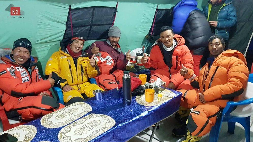 Foto: Los sherpas de la expedición de Alex Txikon en el K2. (@AlexTxikon)