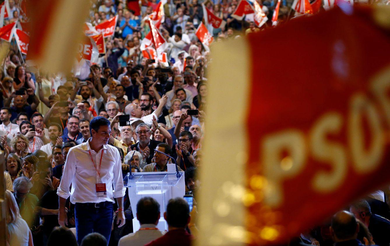 Foto: Pedro Sánchez, durante el mitin de clausura del 39º Congreso Federal, en el pabellón 3 de Ifema de Madrid. (Reuters)