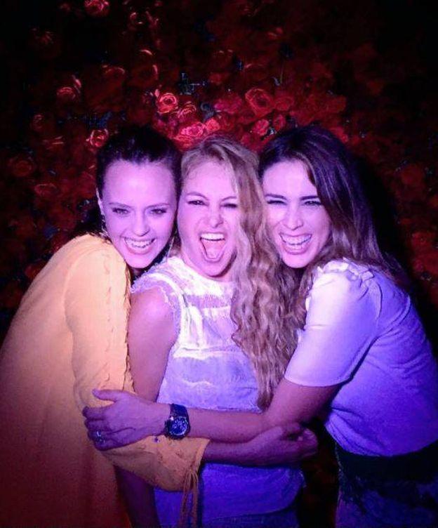 Foto: Shaila Dúrcal, Paulina Rubio y Jacky Bracamontes. (Instagram)