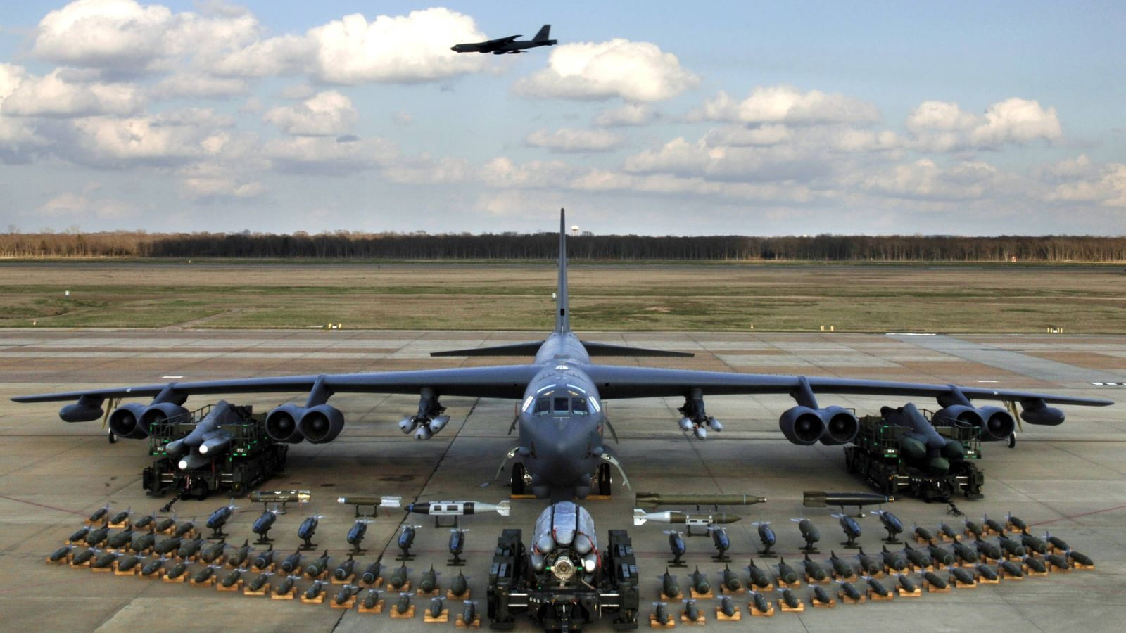 Foto: Espectácular capacidad de carga del B-52H (USAF)