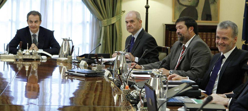 Foto: José Luis Rodríguez Zapatero preside un Consejo de Ministros en una imagen de archivo. (EFE)