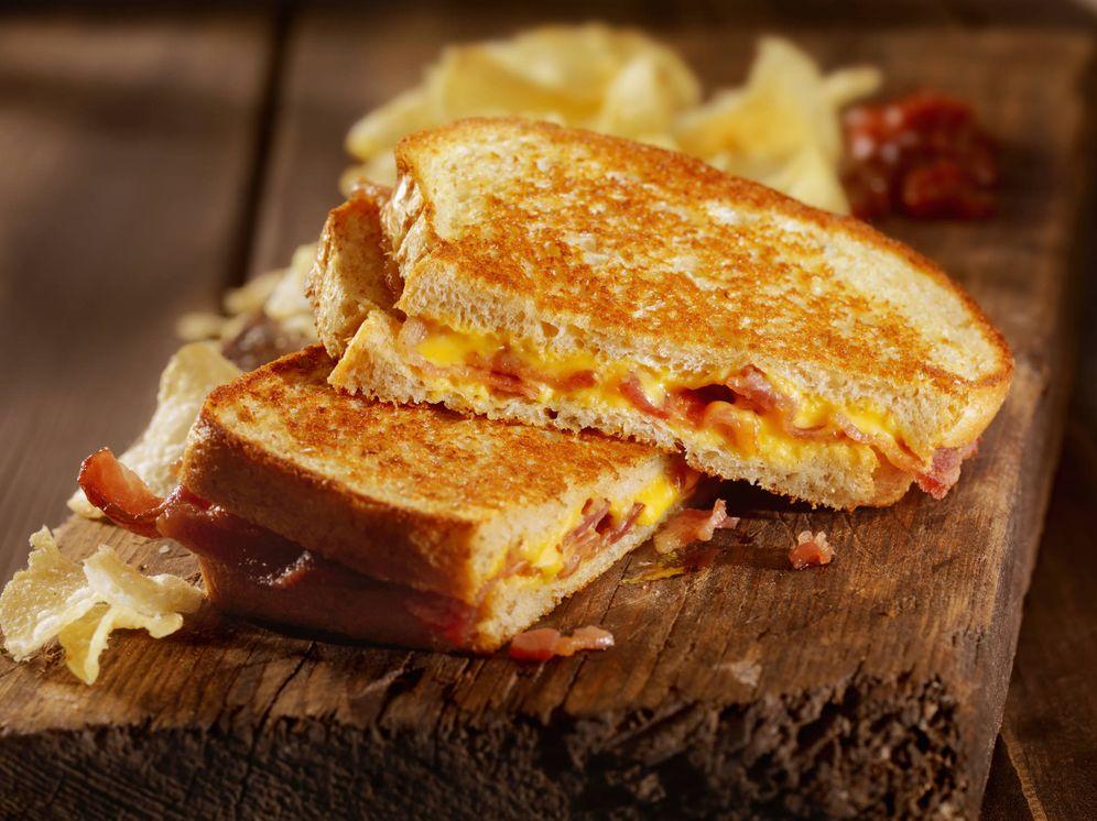 Foto: Sándwich de queso a la parrilla.