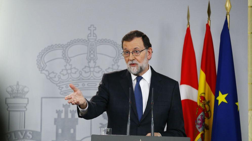 Foto: El presidente del Gobierno, Mariano Rajoy, durante una rueda de prensa en el Palacio de la Moncloa. (EFE)