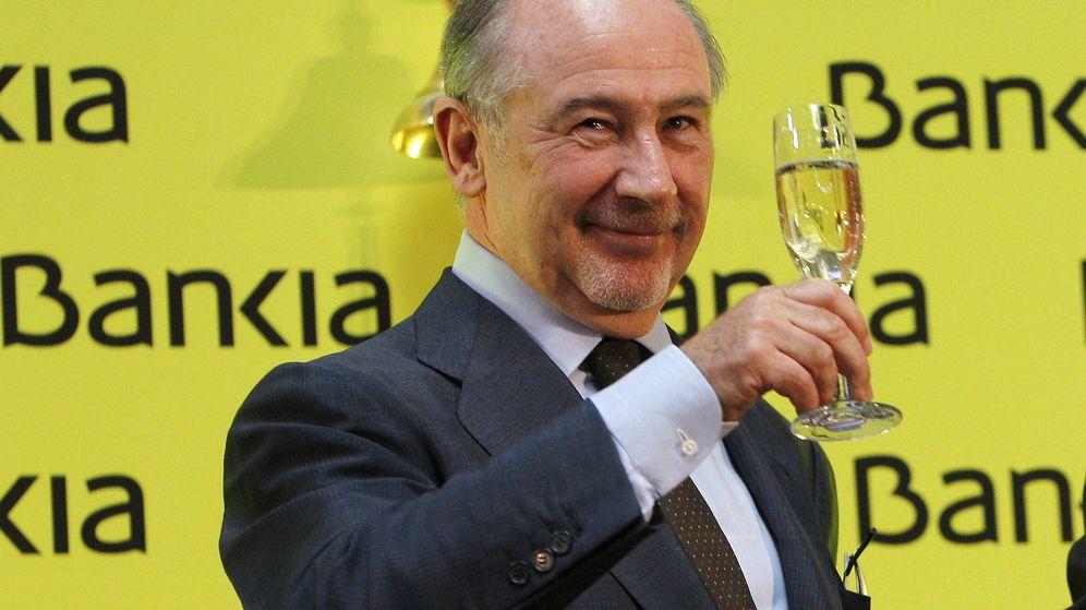 Foto: Rodrigo Rato, en la salida a bolsa de Bankia en julio de 2011. (EFE)