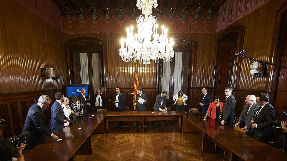 El Parlament elige a los 5 candidatos de JxSí y la CUP para la Sindicatura Electoral