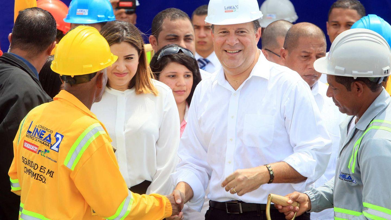 Juan Carlos Varela (c) inaugura en 2018 las obras de ampliación de la L2 del metro que realizaron FCC y Odebrecht. (EFE)