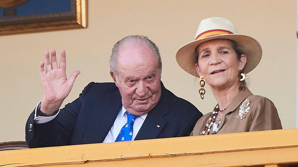 Foto: El Rey emérito y su hija en una imagen de archivo. (Limited Pictures)