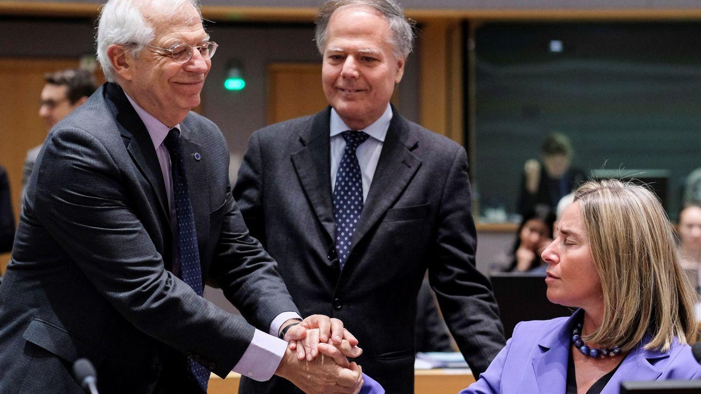 La UE lamenta la expulsión de Pons pero descarta abandonar el diálogo con Maduro
