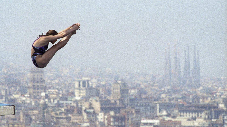 Foto: Una saltadora de trampolín durante los JJOO de Barcelona'92. (EFE)