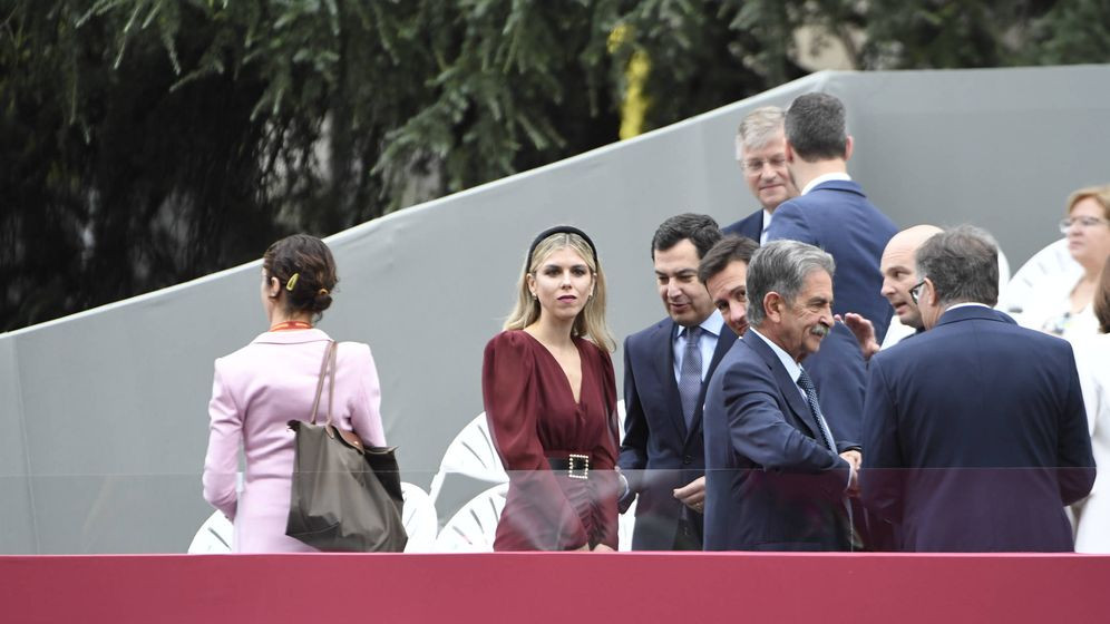 Foto: Manuela Villena, elegantísima en la grada de autoridades. (Limited Pictures)