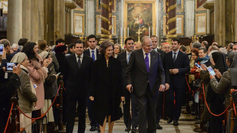 Don Juan Carlos y doña Sofía con el presidente de Endesa, Borja Prado. (Fundación Endesa)