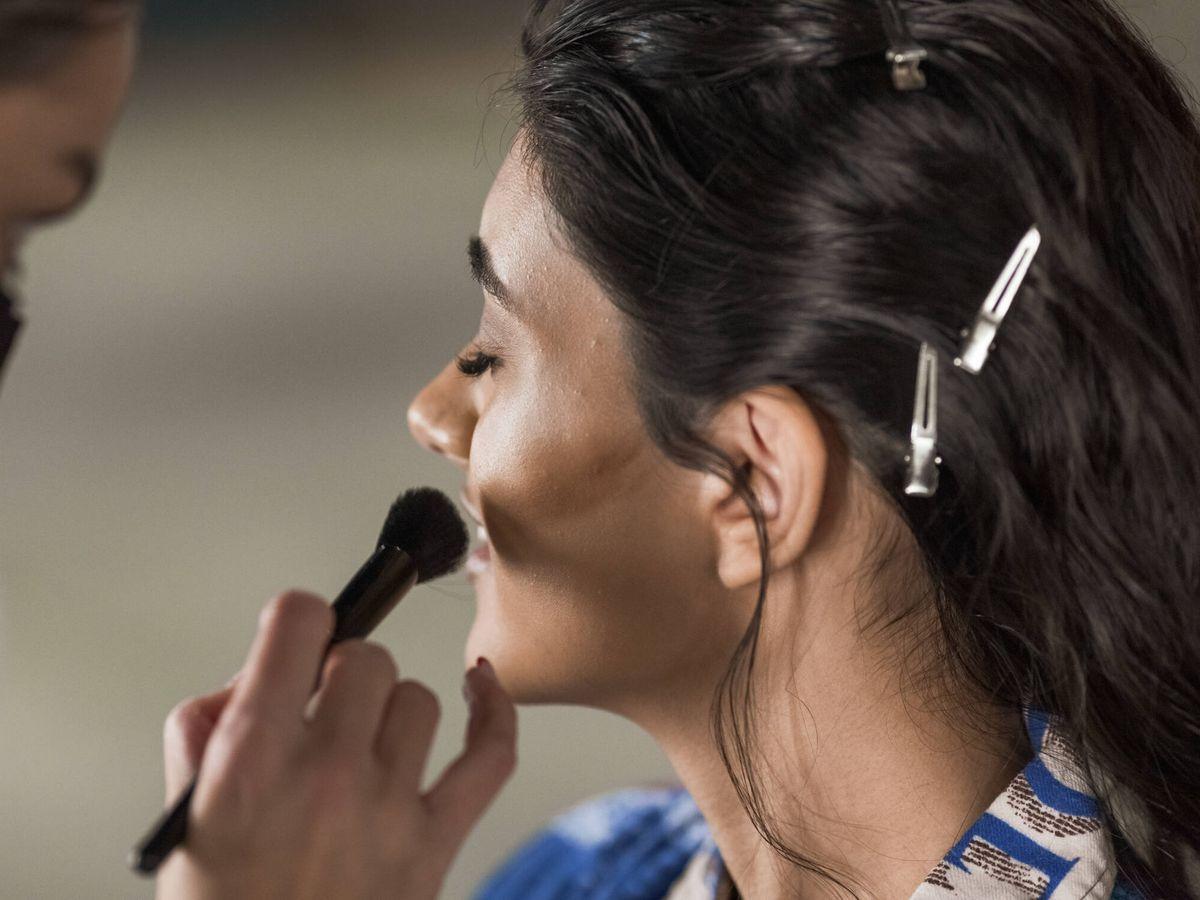 Foto: Al cepillar la piel, se estimula la circulación, además de ejercer un leve efecto exfoliante. (Imaxtree)
