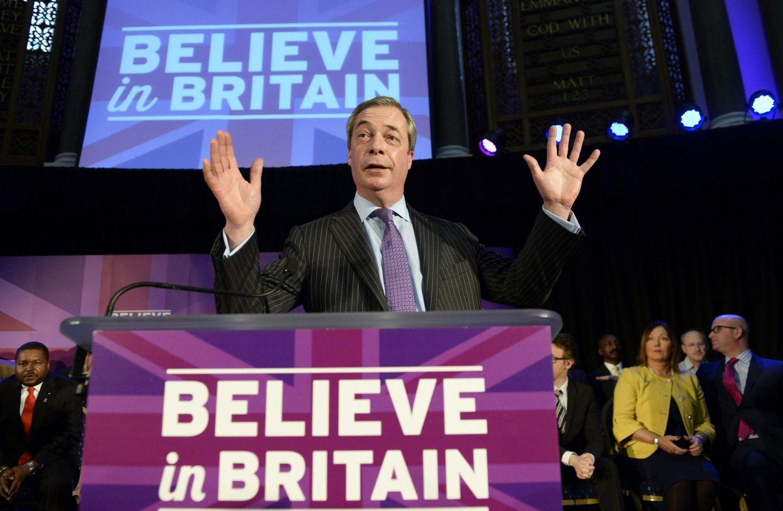 Foto: El líder del euroescéptico y populista partido británico UKIP, Nigel Farage, da un discurso sobre inmigración en Londres. (EFE)